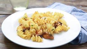 Stijl van zeevruchten de Italiaanse deegwaren stock videobeelden
