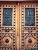 Stil för brun trädörr för tappning europeisk royaltyfri bild