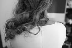 Stil för lockigt hår arkivfoto