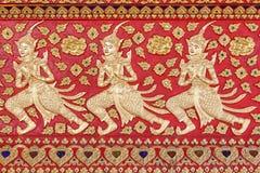 Stil för cement för låg lättnad handcraft thailändsk av den thailändska templet Royaltyfri Fotografi