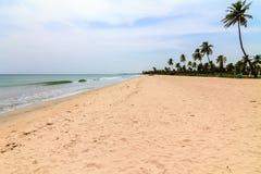 Stil Strand bij Eastarn-Kust van Sri Lanka royalty-vrije stock foto's