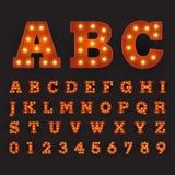 Stile alfabetico di carnevale della fonte con le grandi lampadine rotonde illustrazione vettoriale