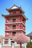 Stile cinese che costruisce legno rosso immagine stock