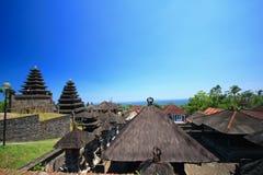 Stile del tetto di Bali, Besakih Indonesia fotografia stock