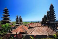 Stile del tetto di Bali, Besakih, Indonesia fotografia stock libera da diritti