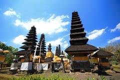 Stile del tetto di Bali, Besakih, Mengwi Indonesia immagine stock