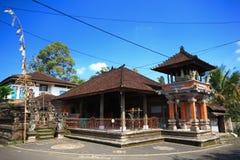Stile del tetto di Bali che costruisce l'Indonesia fotografia stock