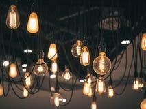 Stile dell'annata della decorazione interna delle lampadine Fotografie Stock
