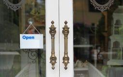 Stile dell'annata delle maniglie di porta. Fotografia Stock Libera da Diritti