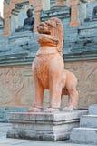 Stile della Cambogia della statua del leone Immagini Stock Libere da Diritti