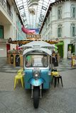 Stile della Tailandia del negozio tailandese del caffè & del tè TUK TUK CHA aperto a Singapore Fotografia Stock