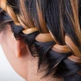 Stile di capelli lungo della treccia fotografie stock
