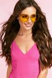 Stile di estate di modo Femmina in occhiali da sole Fotografia Stock