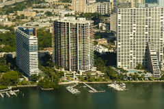 Vista aerea delle costruzioni di appartamento a Miami Fotografie Stock Libere da Diritti