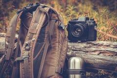 Stile di vita che fa un'escursione attrezzatura di campeggio all'aperto Fotografia Stock