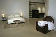 Stile di vita moderno - interiore di una camera da letto Immagine Stock