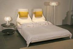 Stile di vita moderno - interiore di una camera da letto Fotografie Stock Libere da Diritti