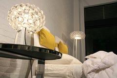Stile di vita moderno - interiore di una camera da letto Immagini Stock