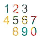 Stile disegnato decorato luminoso di numeri di estate a disposizione, disegnato con il grafico a mano libera della spazzola Fotografia Stock