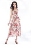 Stile ed elegancy - posizione femminile alla moda Immagini Stock Libere da Diritti
