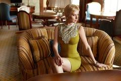 Stile interno di modo di bellezza del vestito dalla donna sexy Fotografie Stock