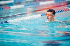 Stile libero di nuoto del ragazzo Immagine Stock Libera da Diritti
