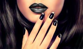 Stile, manicure, cosmetici e trucco di lusso di modo Fotografia Stock Libera da Diritti