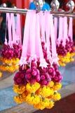 Stile religioso delle ghirlande dei fiori della Tailandia Fotografie Stock Libere da Diritti