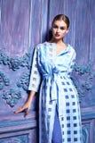 Stile sexy di modo del partito dell'attività di raccolta del vestito di vestito dalla donna Fotografia Stock