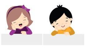 Stile sveglio di Kawaii della ragazza e di Little Boy con l'illustrazione piana stabilita di vettore dell'insegna isolata su bian Immagini Stock Libere da Diritti