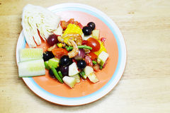 Stile tailandese dell'insalata della spezia della frutta fotografie stock libere da diritti