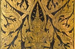 Stile tailandese di arte della pittura dell'oro sulla parete Fotografie Stock Libere da Diritti