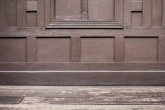 Stile tailandese di legno della finestra e del balcone. Immagine Stock Libera da Diritti
