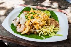 Stile tailandese fritto delle tagliatelle, alimento tailandese immagine stock libera da diritti