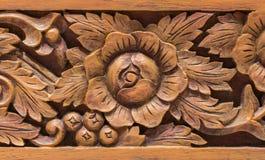 Stile tailandese scolpito di legno Immagini Stock