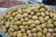 Stile tradizionale Olive For Sale verde turca Fotografia Stock