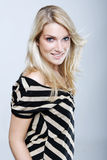 Stilfull härlig blond kvinna Arkivfoton