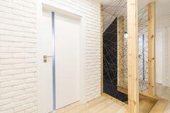 Stilfull huskorridor royaltyfria foton