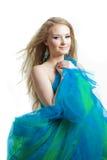 stilfull kvinna för blå klänning Arkivbild
