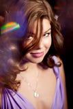 Stilfull kvinna för lyxigt mode i den rika inre Skönhetflicka w Fotografering för Bildbyråer