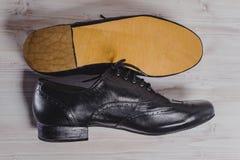 Stilfull svart man` s tillverkade skor för sällskapsdans Royaltyfri Fotografi