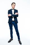 Stilfull ung man som bär den eleganta dräkten Royaltyfri Bild