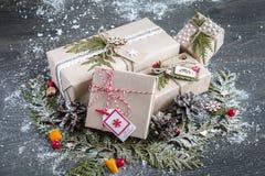 Stilfulla handgjorda julgåvor Royaltyfri Bild