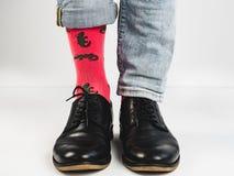 Stilfulla skor och roliga sockor Royaltyfria Foton