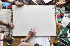 Stilfullt begrepp för idérik trend för designklänningmode royaltyfri foto