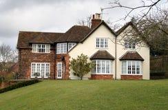 stilfullt engelskt hus för land Royaltyfri Fotografi