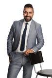 Stilig affärsman i grå färger Arkivbilder