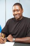 stilig deltagare för afrikansk amerikanhögskola Fotografering för Bildbyråer