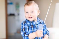 Stilig le litet barnpojke royaltyfria bilder