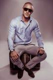 Stilig macho man i solglasögon Fotografering för Bildbyråer